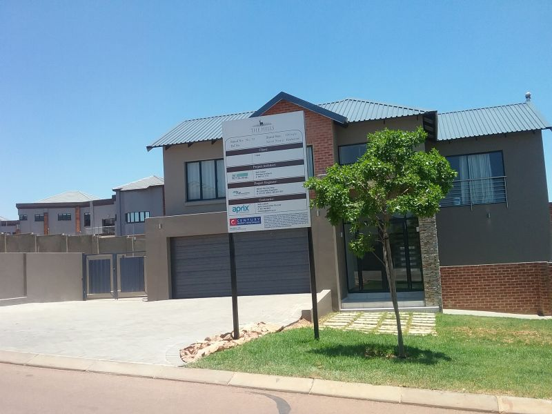 Aprix Construction is equipped to handle all types of construction projects, from multi-million-rand executive-style homes to modest and affordable housing.